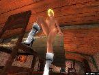 Blondie chaude nue portant des bottes de fourrure seulement
