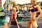 Bien roulees poussins en bikini demandant pour certains coq